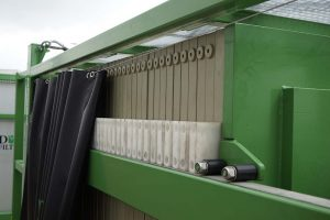 filter-press-splash-curtain